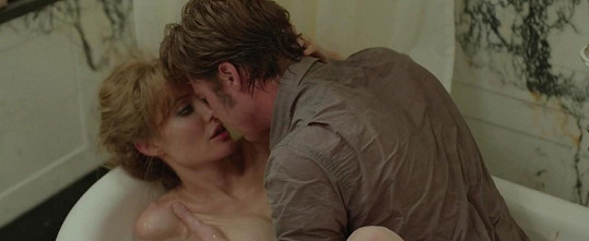 Ve společném filmu došlo i na erotickou scénu.