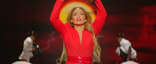 Jennifer v novém klipu k písni Limitless