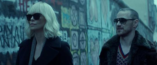 Charlize ve snímku představuje agentku britské MI6.