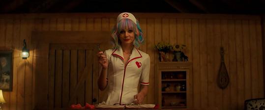 Cenu si odnesla za scénář k filmu Nadějná mladá žena s Carey Mulligan v hlavní roli.