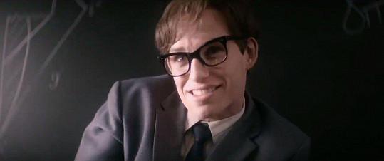 Eddie Redmayne jako Stephen Hawking ve filmu Teorie všeho (2014)
