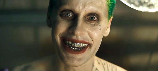 Další jeho proměna ve filmu Sebevražedný oddíl, kde hrál Jokera.