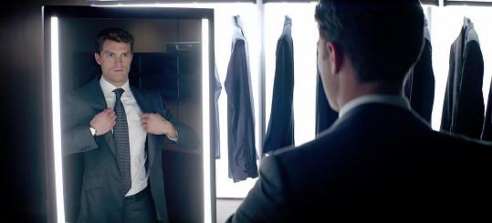 Jamie Dornan alias Christian Grey ve filmovém zpracování knižního bestselleru Padesát odstínů šedi
