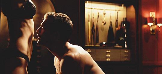 Jamie Dornan jako pan Grey v trilogii Padesát odstínů