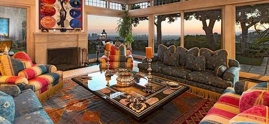 Interiéry se nesou převážně v klasickém stylu.
