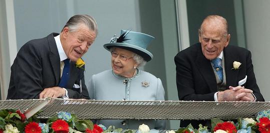 S královnou a vévodou z Edinburghu strávil mnoho let.