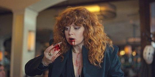 Letos slaví úspěch se seriálem Russian Doll, v němž stále dokola umírá.