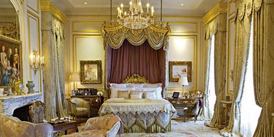 Pohled na jednu ze 14 ložnic
