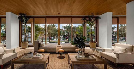Obývací pokoj s doslova luxusním výhledem