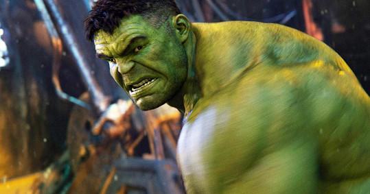 Mark je představitelem Hulka, jednoho z Avengers.