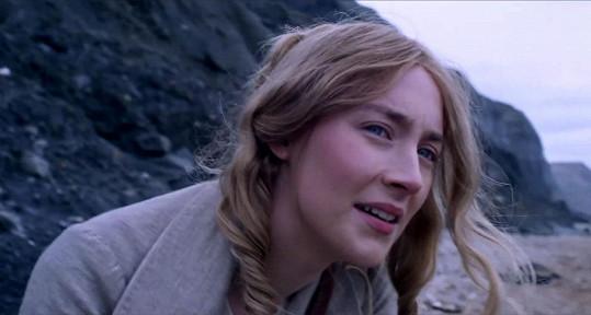 Saoirse je skoro o polovinu mladší než Winslet.