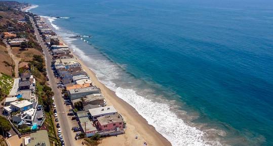 Dům na pobřeží Malibu herec prodal po 10 letech.