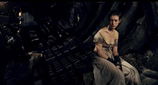 Anne Hathaway v Bídnících