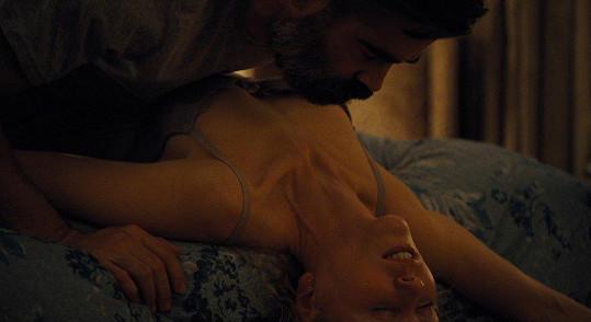 Ve filmu Zabití posvátného jelena si užila intimnosti s Colinem Farrellem.