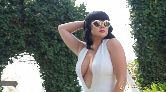 Ariel Winter pózovala pro magazín La Palme.