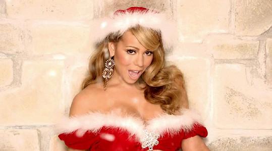 Píseň All I Want For Christmas Is You se po 25 letech od vzniku dočkala první příčky v prestižní hitparádě.
