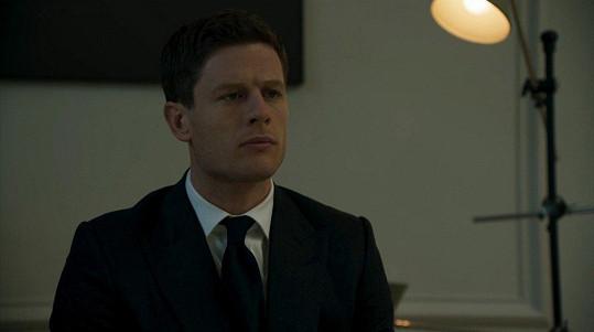 Hlavní roli v seriálu McMafia hraje James Norton.