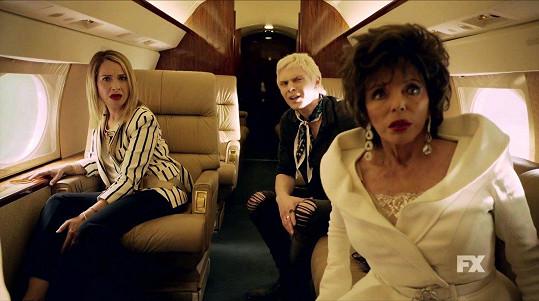Joan Collins se Sarah Paulson a Evanem Petersem v seriálu American Horror Story