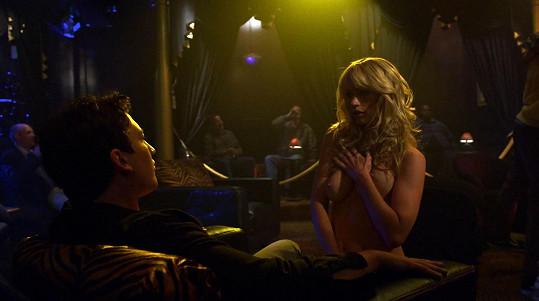 Cameron si troufla na roli striptérky...