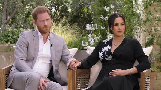 """Princ Harry a jeho žena Meghan poskytli Oprah Winfrey """"otevřený a čestný"""" rozhovor o svých zkušenostech. Stanice CBS ho odvysílá v neděli."""