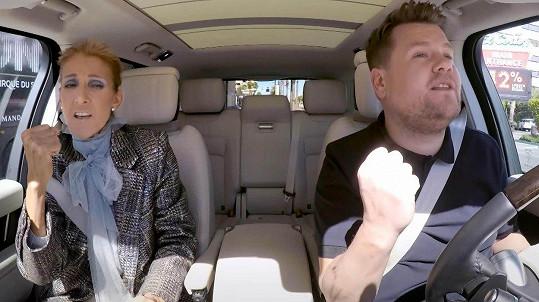V Carpool Karaoke se potkává s největšími hvězdami hudebního šoubyznysu. Mj. s Céline Dion.