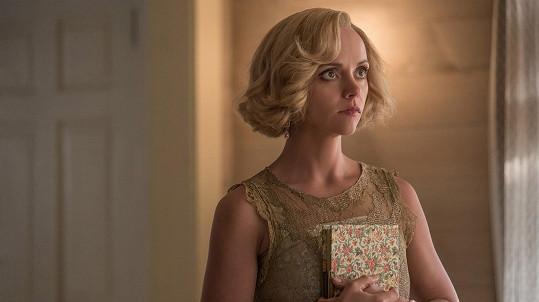 V seriálu se ukáže i oblečená.