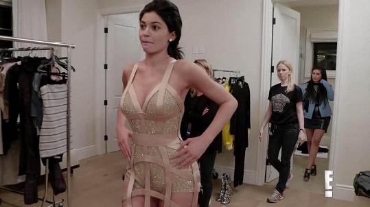 S odhalováním Jenner potíže nemá.
