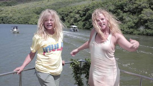 Goldie Hawn natočila komedii s Amy Schumer.