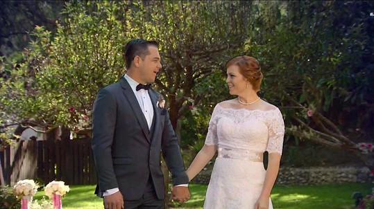 Na svatbě už vypadali úplně jinak.