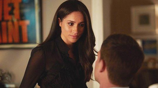 Harryho přítelkyně, herečka Meghan Markle (36), v jednom z dílů sedmé řady amerického seriálu Suits (2017)