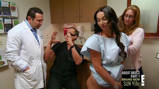 Jana Stoner si nechala zadek zvětšit prstními implantánty.