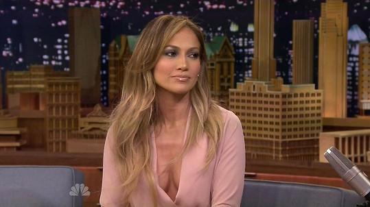 Jennifer Lopez je mistryní odvážných dekoltů.