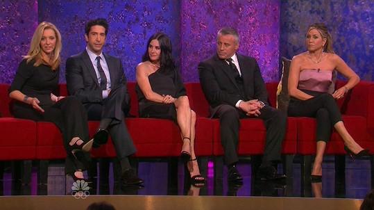 Lisa Kudrow, David Schwimmer, Courteney Cox, Matt LeBlanc a Jennifer Aniston opět spolu