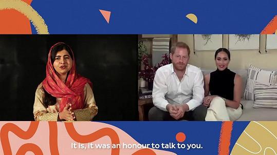 Princ Harry a jeho žena Meghan diskutovali na Mezinárodní den dívek s aktivistkou Malálou Júsufzajovou o právu dívek na vzdělání.
