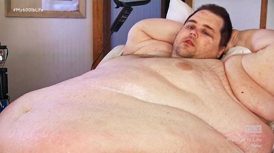 Jamesova váha atakovala hranici čtyř metráků.