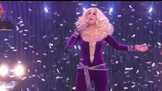 Cher vystoupila na finále amerického Talentu.