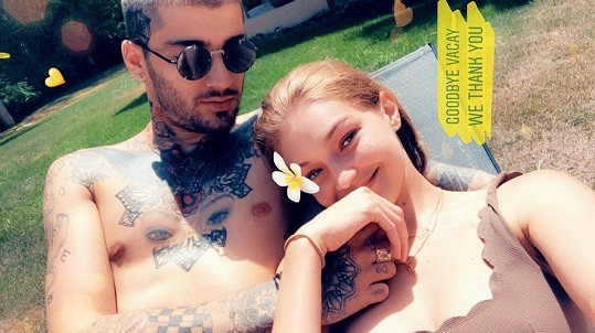 Gigi Hadid a Zayn Malik na společné dovolené.