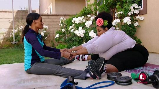 Marley zkoušela s Kristy cvičit.