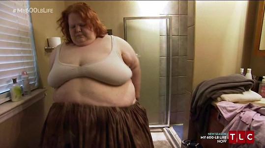 Nikki vážila 300 kilogramů.