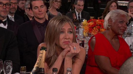Reakce Aniston na Pittovu děkovačku