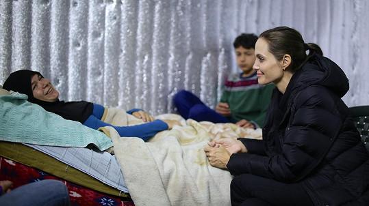 Herečka a zvláštní vyslankyně OSN navštívila i nemocné.