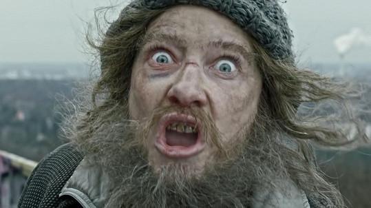 Cate Blanchet jako odpudivý bezdomovec.