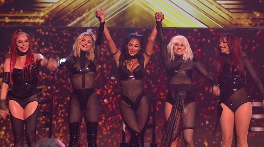 I vystoupení v X Factoru bylo ostře kritizováno.