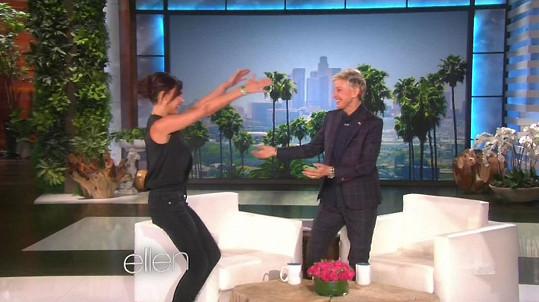 Beckham byla výborně naladěná a Ellen očividně ráda viděla.