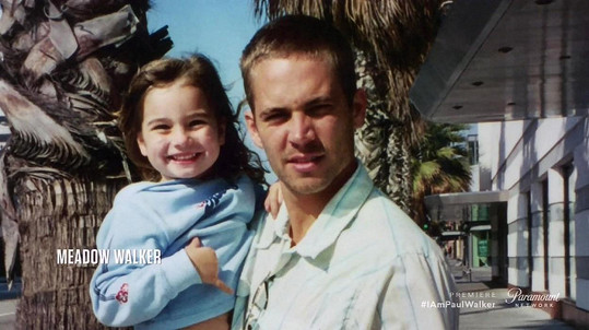 Od smrti jejího otce uplynulo téměř šest let.