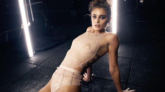 Modelka se stala součástí adventních videí magazínu Love.