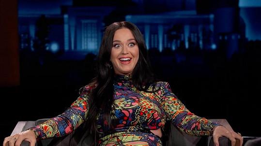 Katy Perry si prý z časových důvodů přestala holit nohy.
