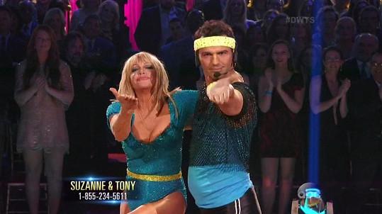 Tony Dovolani je jejím tanečním partnerem a choreografem.