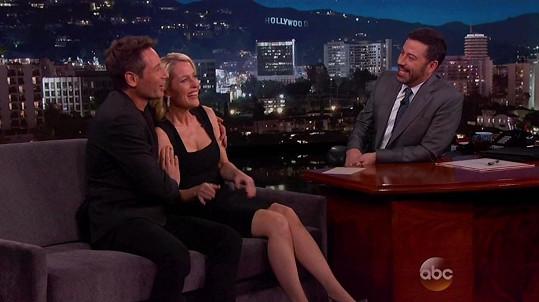 Propagovat novou sérii byli David Duchovny a Gillian Anderson i u Jimmyho Kimmela.