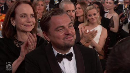Děkovnou řečí dojal nejen Lea, ale i bývalou manželku Jennifer Aniston, která seděla za ním.